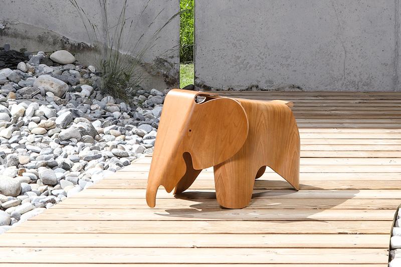 Eames Elephant plywood par VITRA
