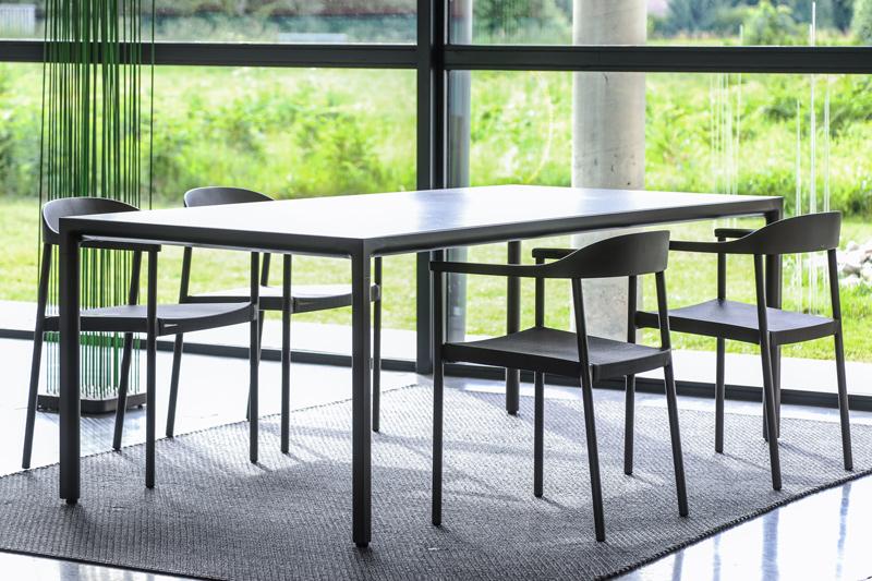 Table et chaises Tribu